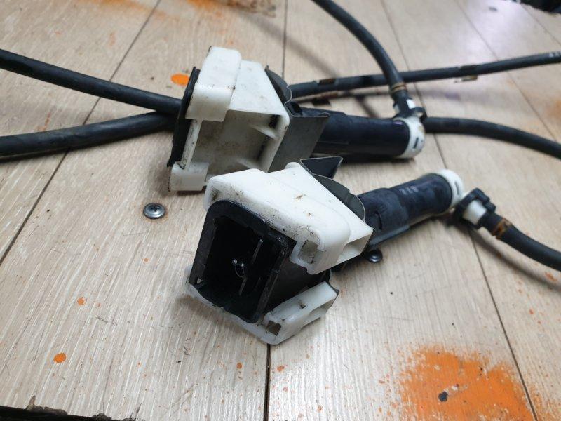 Форсунка омывателя Infiniti Qx56 Z62 5.6 405 Л.С 2011 передняя правая (б/у)