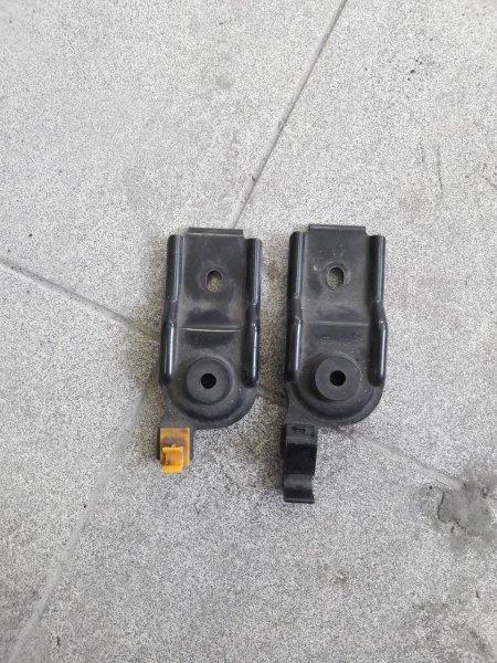 Крепление радиатора Subaru Forester SF5 (б/у)