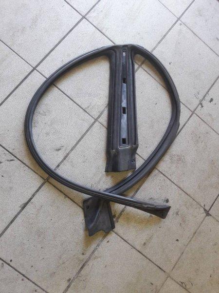 Резинка уплотнительная Subaru Impreza GD левая (б/у)