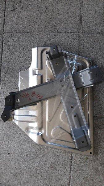 Крепления блока управления двс Subaru Forester SG5 (б/у)
