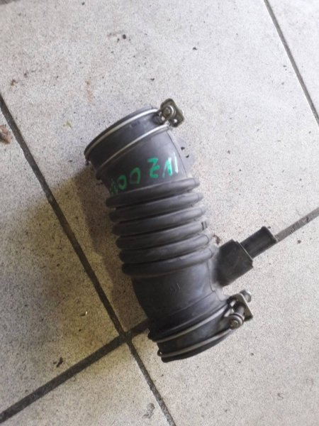 Патрубок воздушный Toyota Belta NCP96 1NZFE (б/у)