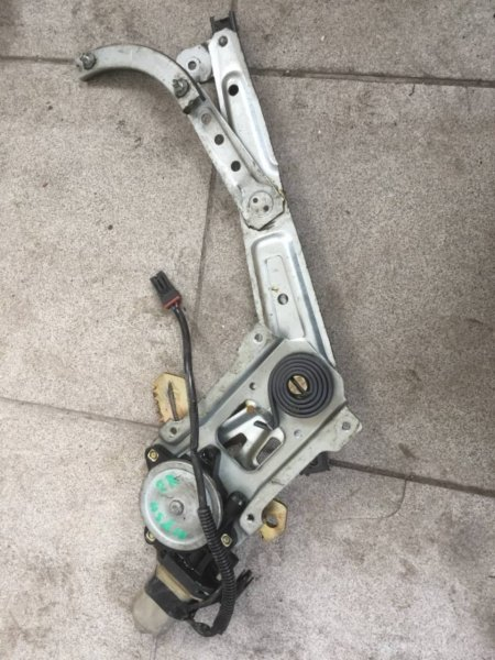 Стеклоподъемник Nissan Gloria MY34 задний правый (б/у)