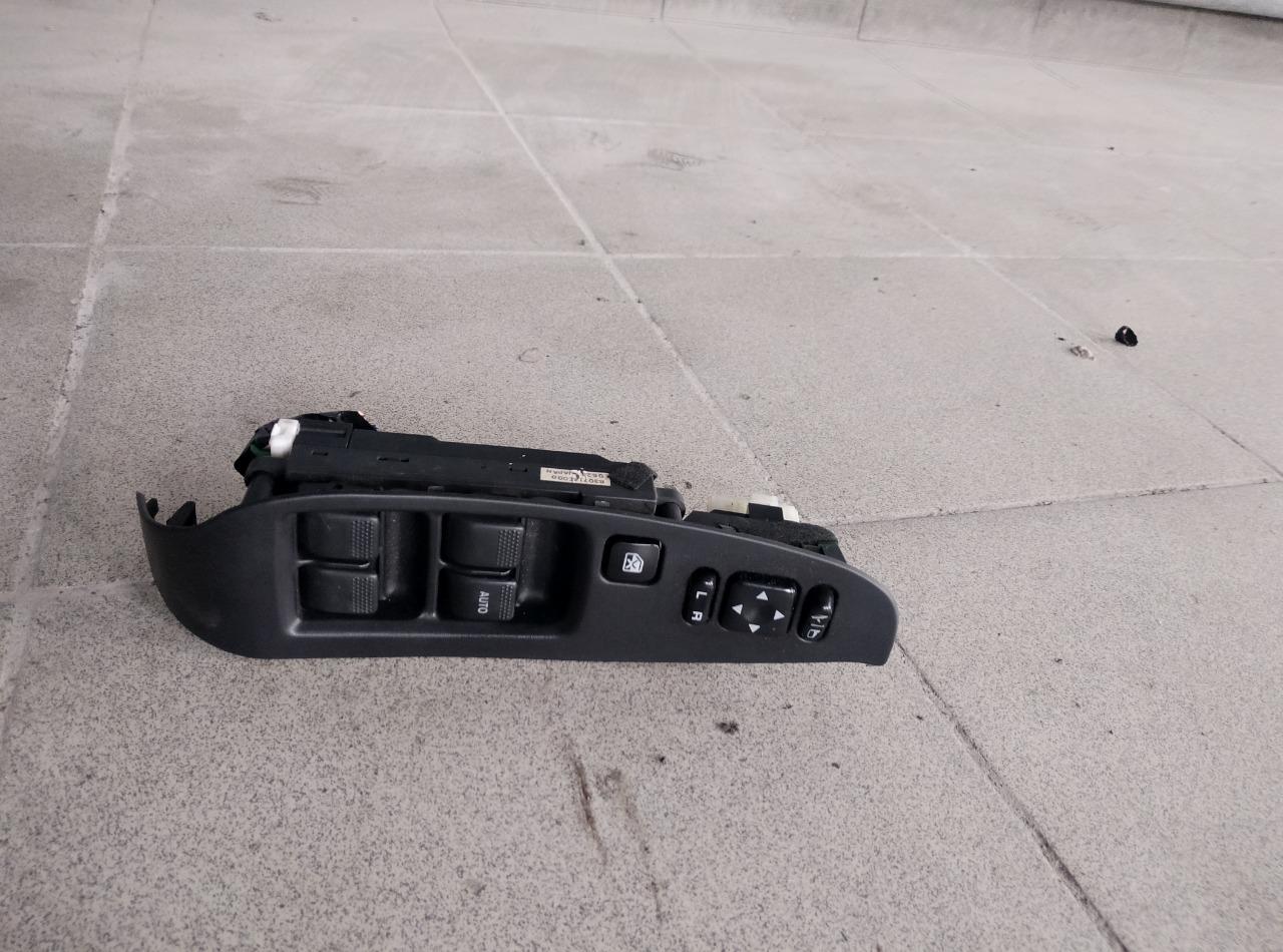 Блок управления стеклоподъемниками Subaru Legacy BE5 EJ208 1999 передний правый (б/у)