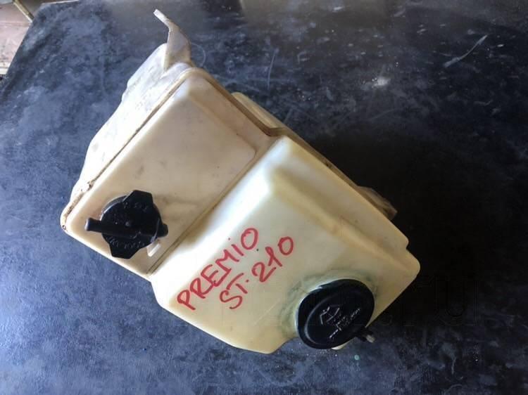 Бачок омывателя Toyota Corona Premio CT211 (б/у)