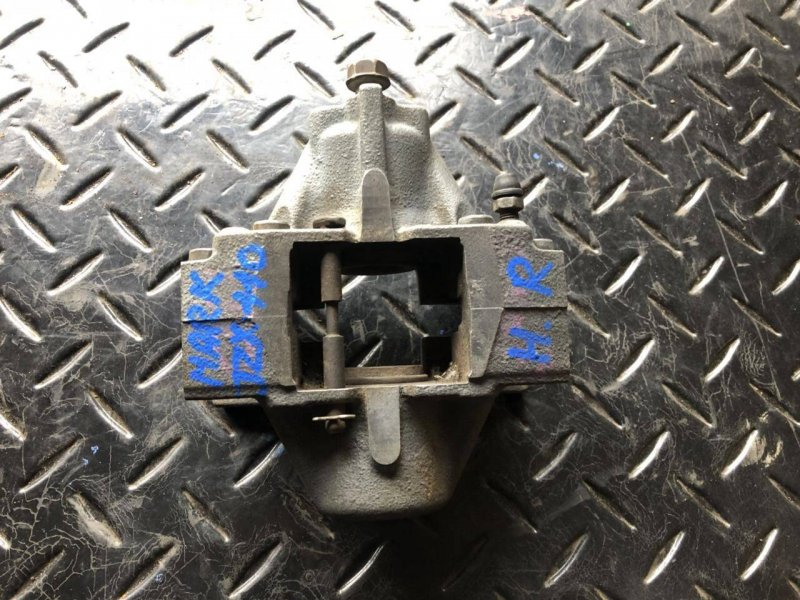 Суппорт Toyota Mark Ii Wagon Blit JZX110 задний правый (б/у)