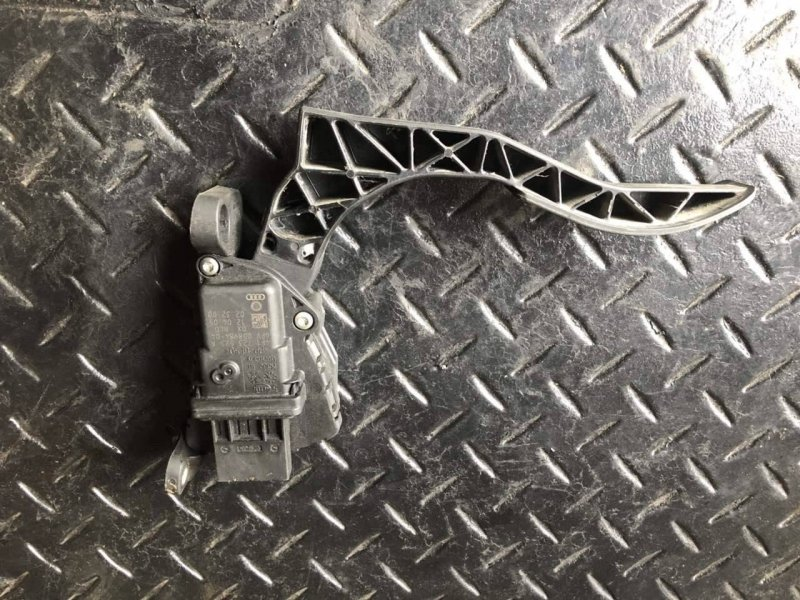 Педаль акселератора Audi A6 (б/у)