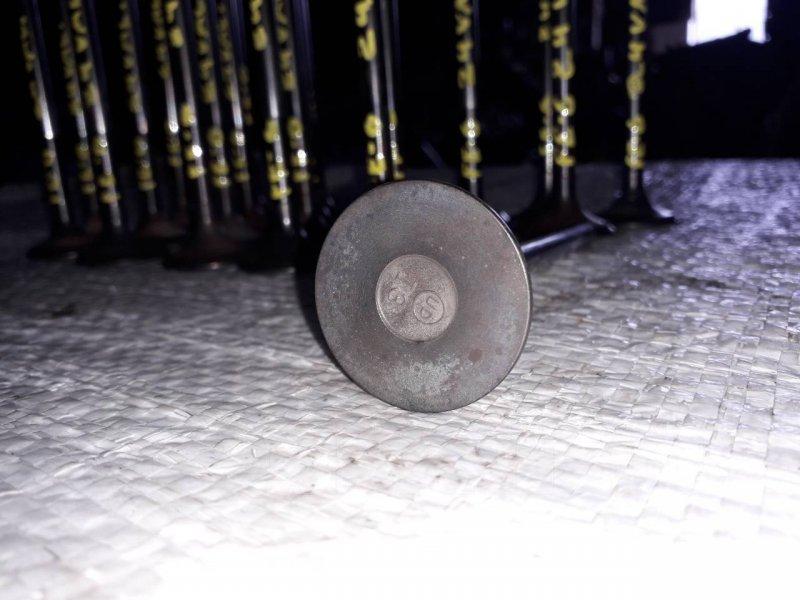 Клапан Nissan Diesel FE6 (б/у)