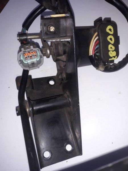 Педаль акселератора Nissan Diesel MK262 MD92 (б/у)