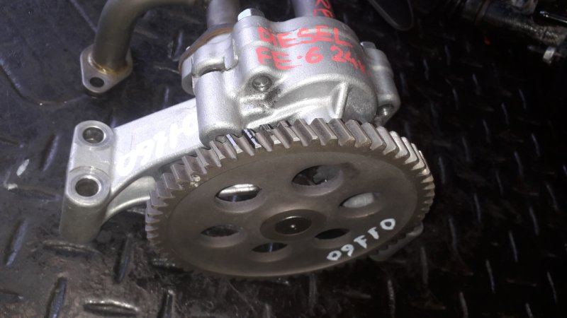 Масляный насос Nissan Diesel Ud FE6 (б/у)