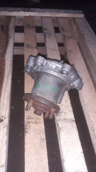 Помпа водяная Toyota 3L (б/у)