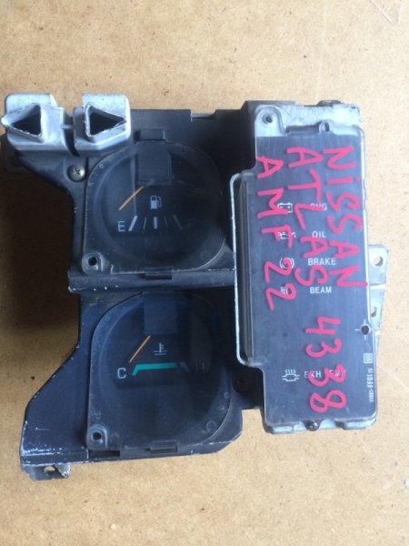 Панель приборов Nissan Atlas AMF22 (б/у)