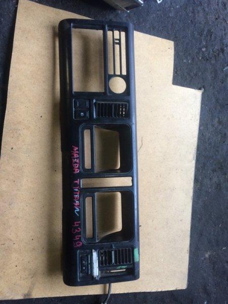 Рамка щитка приборов Mazda Titan (б/у)