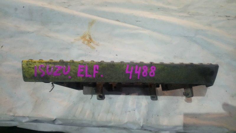 Подножка Isuzu Elf передняя левая (б/у)