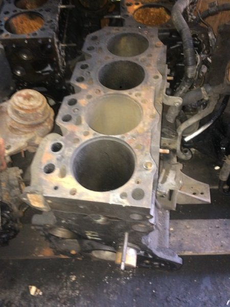Блок цилиндров Mazda Titan TM (б/у)