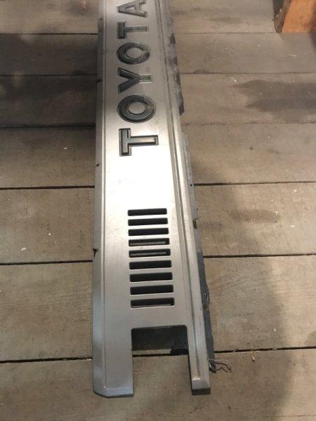 Решетка радиатора Toyota Dyna (б/у)