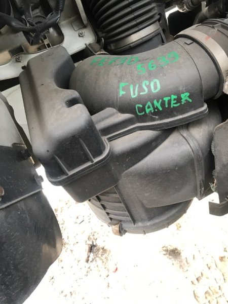 Корпус воздушного фильтра Mitsubishi Canter FE73D 4M50 (б/у)