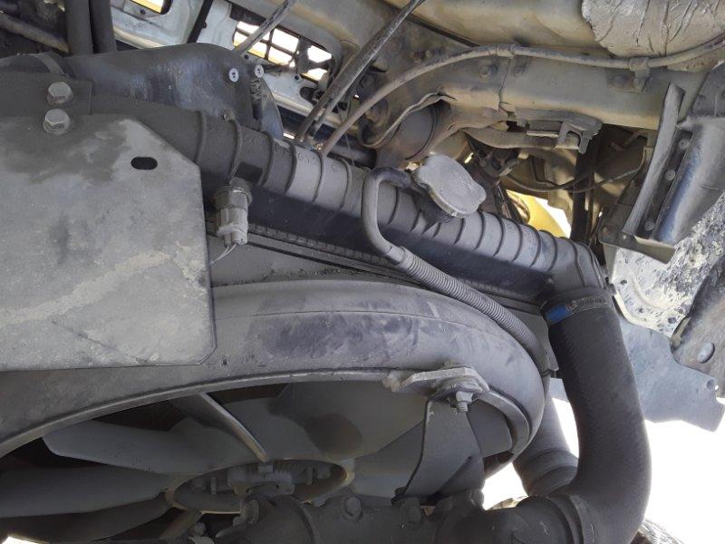 Радиатор охлаждения двигателя Hino Ranger FD1JKE J08C-T 2002 (б/у)