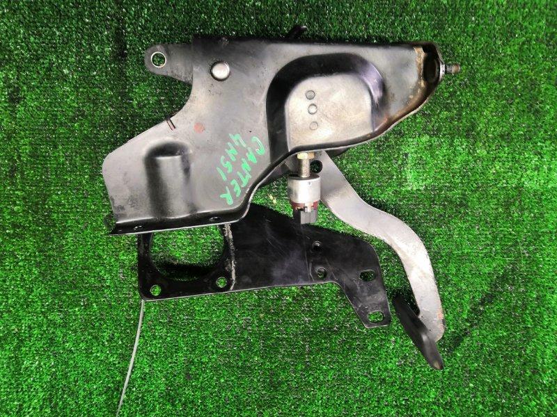 Педаль сцепления Mitsubishi Canter FE73D 4M51 (б/у)