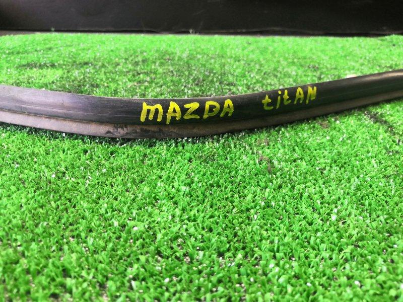 Молдинг Mazda Titan правый (б/у)