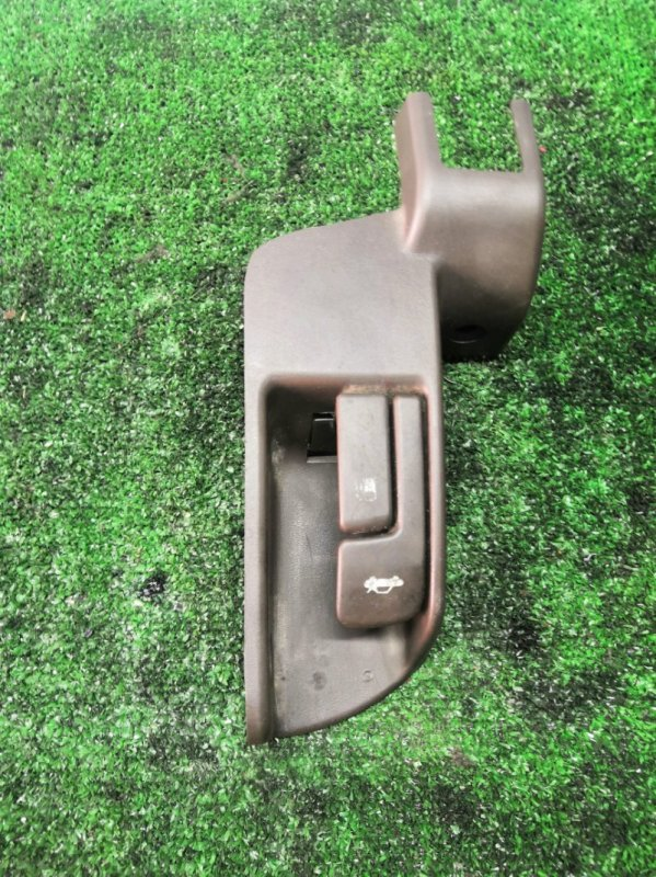 Ручка открывания бензобака Toyota Mark Ii 90 (б/у)