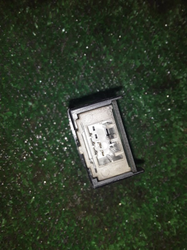 Кнопка аварийной остановки Mazda Titan WG64H 4HG1 (б/у)