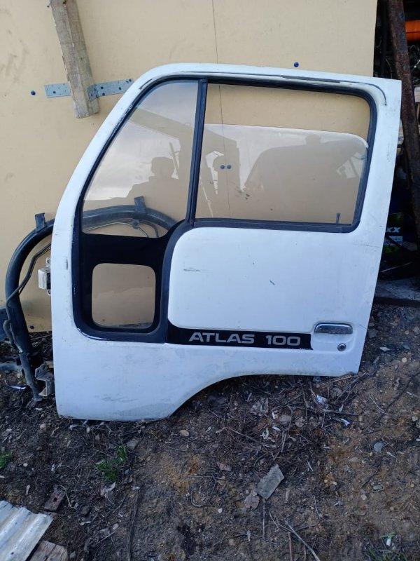 Дверь Nissan Atlas R4F23 передняя левая (б/у)