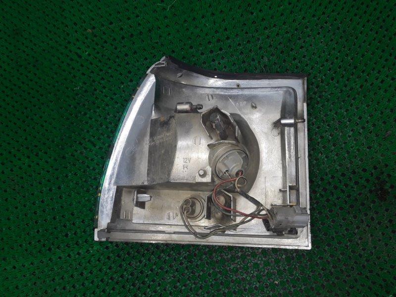 Габарит Toyota Hiace KZH119 передний правый (б/у)