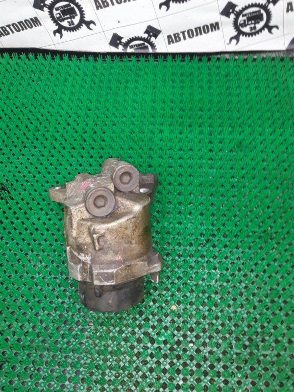Кронштейн масляного фильтра Toyota 2ZR-FE (б/у)