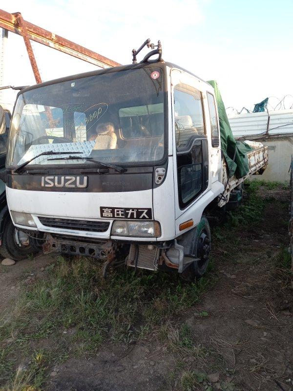 Кабина Isuzu Forward FRR32G 6HE1 (б/у)