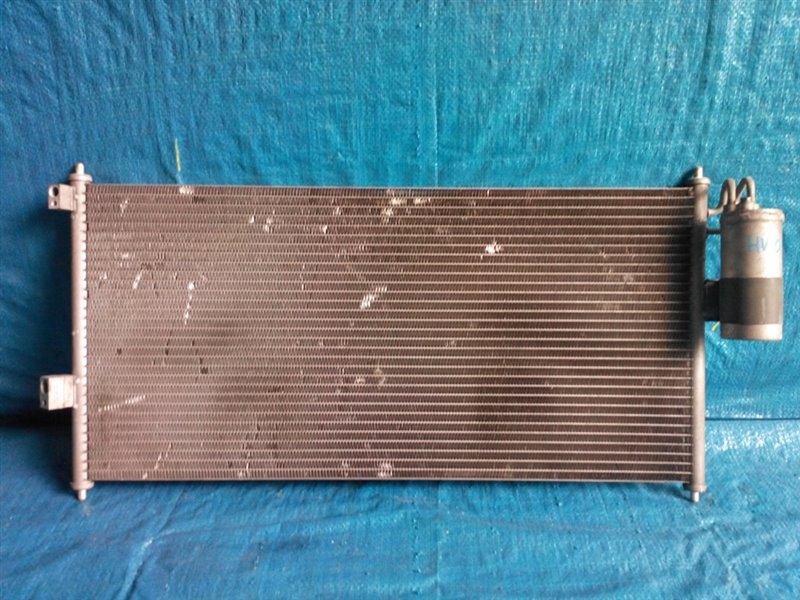 Радиатор кондиционера Nissan Tino HV10 передний (б/у)