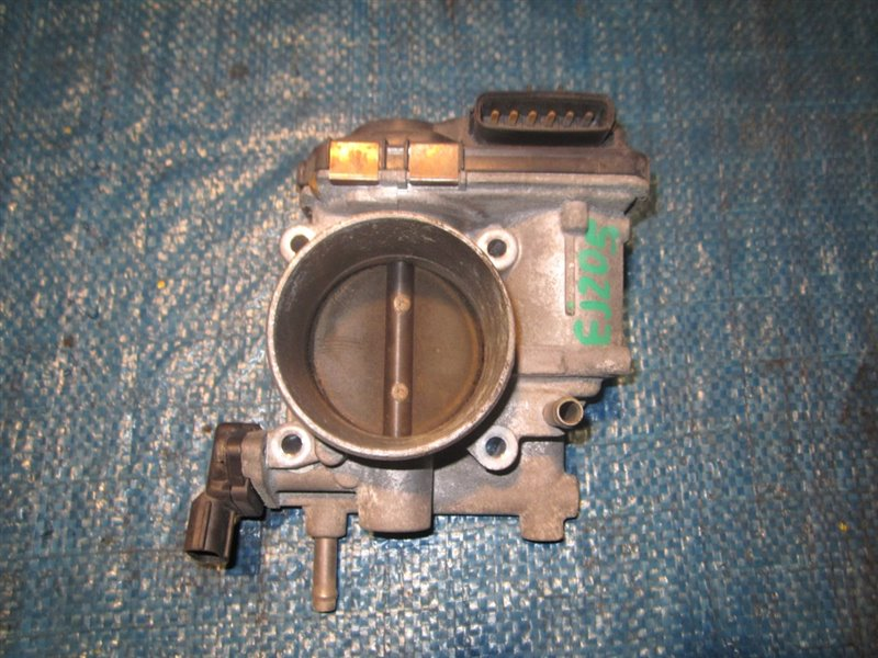 Дроссельная заслонка Subaru Forester SG5 EJ205 (б/у)