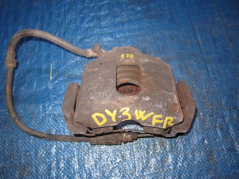 Суппорт Mazda Demio DY5W передний правый (б/у)