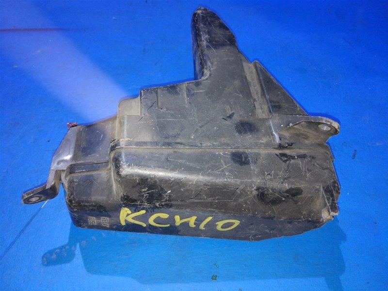 Блок предохранителей Toyota Granvia KCH10 (б/у)