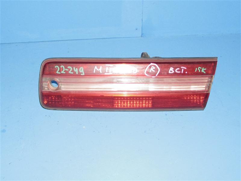 Вставка между стопов Toyota Mark Ii GX100 задняя правая (б/у)