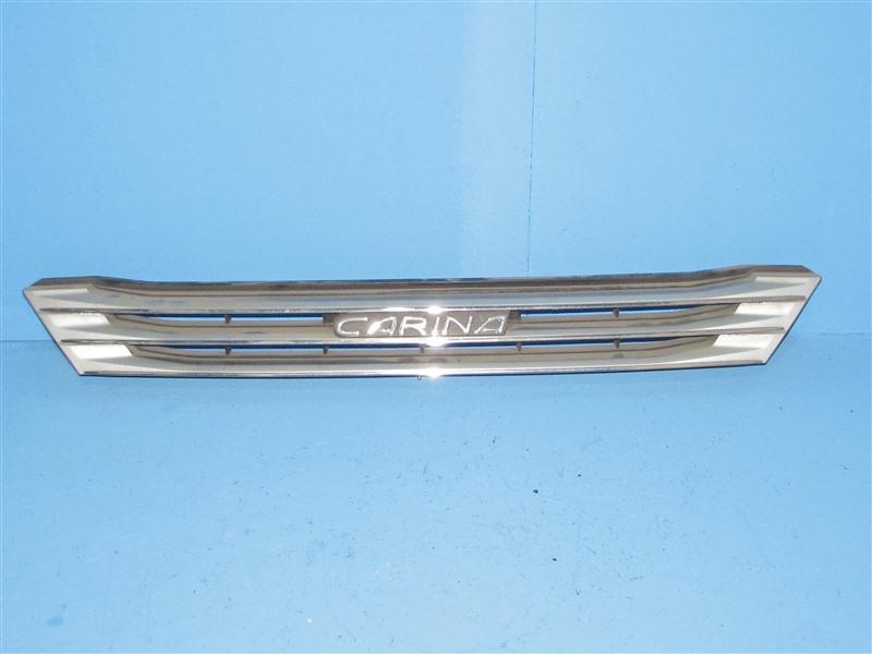 Решетка радиатора Toyota Carina AT212 1996 передняя (б/у)