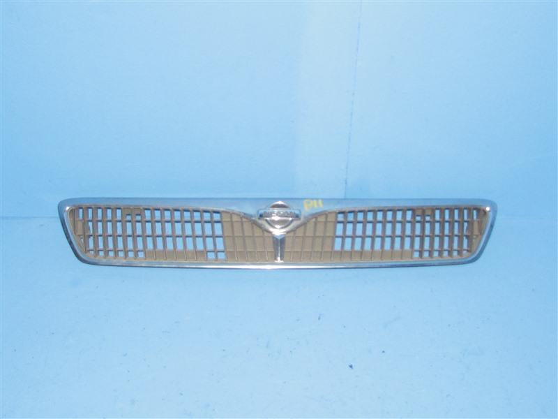 Решетка радиатора Nissan Primera QP11 передняя (б/у)