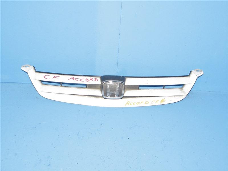 Решетка радиатора Honda Accord CF4 1997 передняя (б/у)