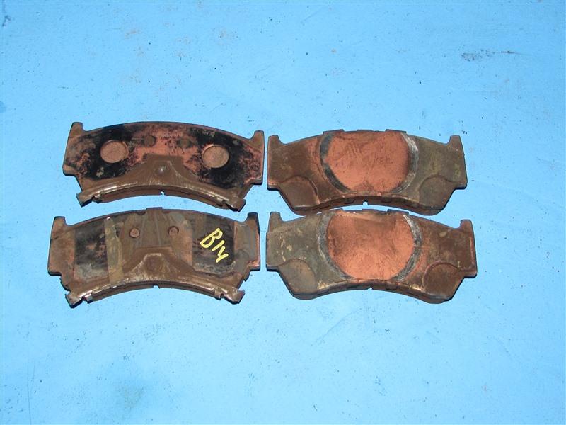Тормозные колодки Nissan Presea PR11 переднее (б/у)