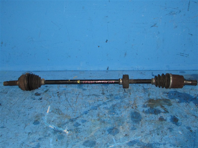 Привод Honda Fit GD1 L13A передний правый (б/у)