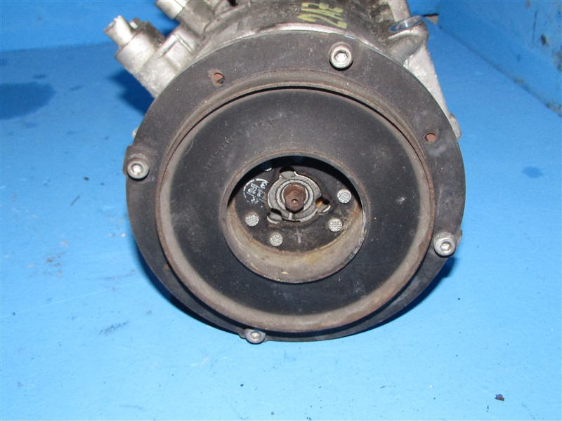 Компрессор кондиционера Toyota Alphard ACM21W 1AZ-FSE (б/у)