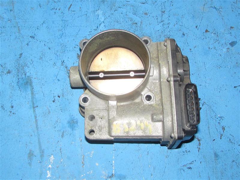 Дроссельная заслонка Volvo V50 YV1MW664962169362 B5244S 2005 (б/у)