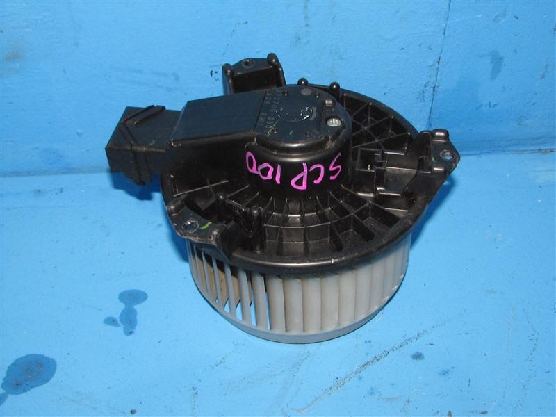 Мотор печки Toyota Ractis SCP100 (б/у)