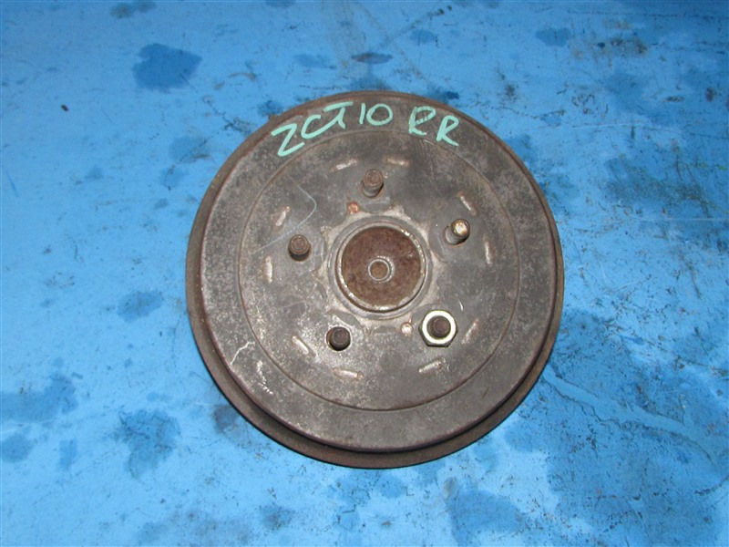 Ступица Toyota Opa ZCT10 задняя правая (б/у)
