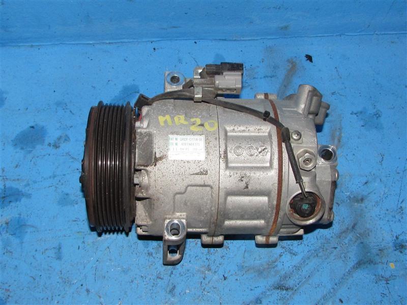 Компрессор кондиционера Nissan Serena CC25 MR20DE (б/у)