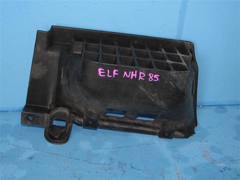 Подножка Isuzu Elf NHR85 4JJ1 2006 (б/у)
