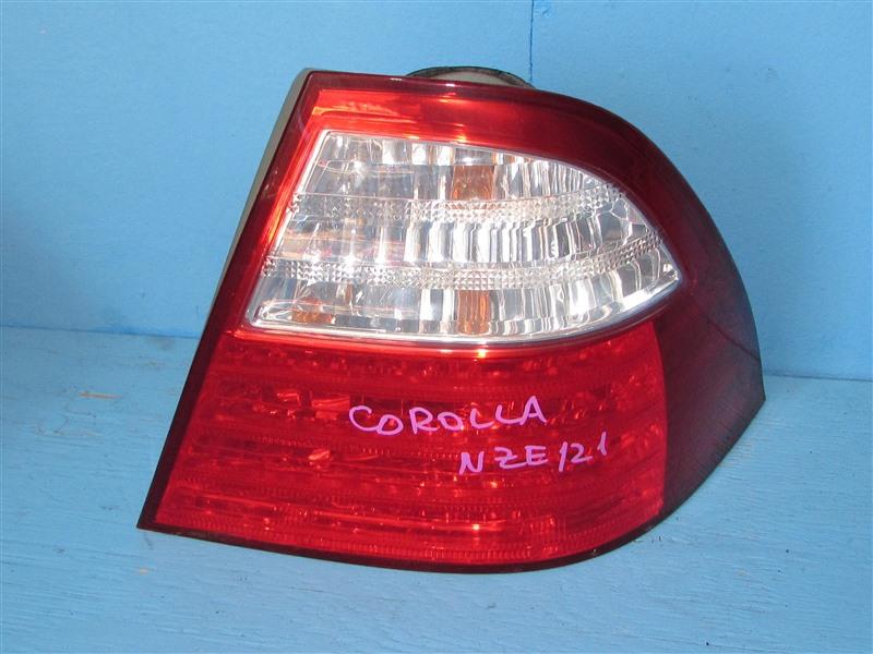 Стоп-сигнал Toyota Corolla NZE121 1NZFE 2004 задний правый (б/у)