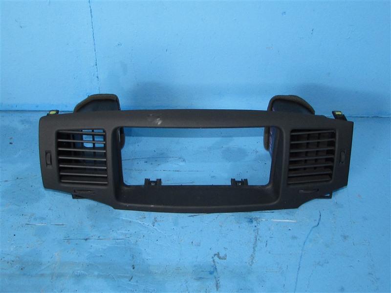 Рамка магнитофона Toyota Corolla NZE121 1NZFE 2006 (б/у)