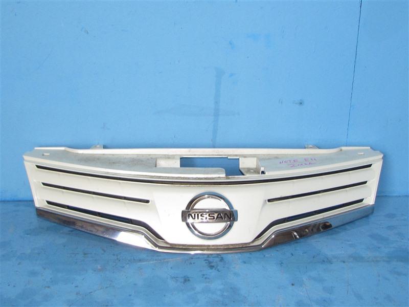 Решетка радиатора Nissan Note E11 2008 (б/у)