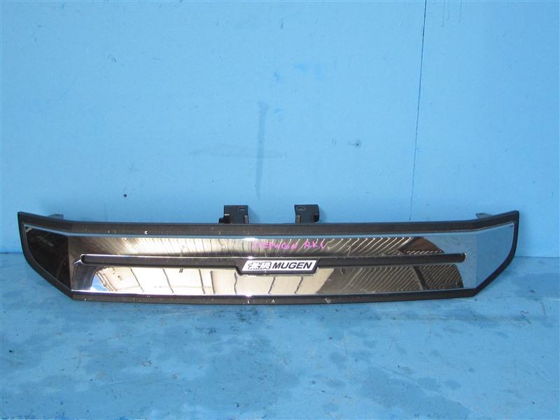 Решетка радиатора Honda Step Wagon RK1 2009 (б/у)