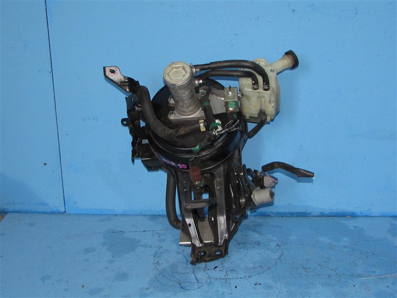 Главный тормозной цилиндр Isuzu Elf NHR85 4JJ1 2006 (б/у)